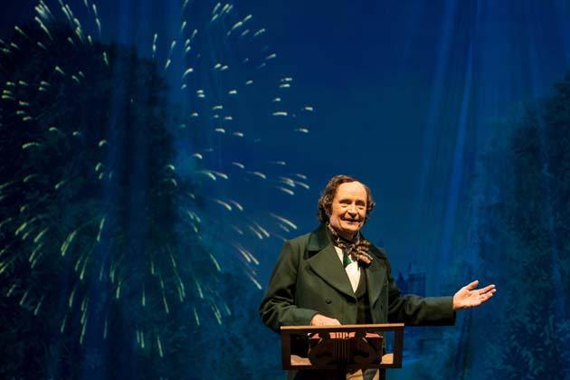 Jim Broadbent (Hans) photo Manuel Harlan