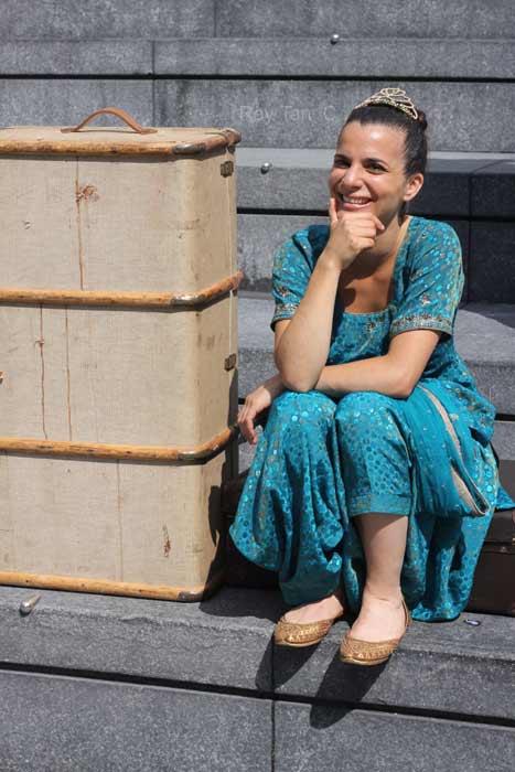 Susanne Ahmet in Around the World in Eighty Days