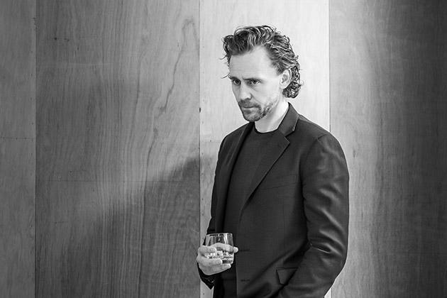 Tom Hiddleston in rehearsal for 'Betrayal'.  ©Marc Brenner