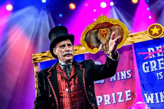 David-Williamson-in-Circus-1903.-Photo-Dan-Tsantilis