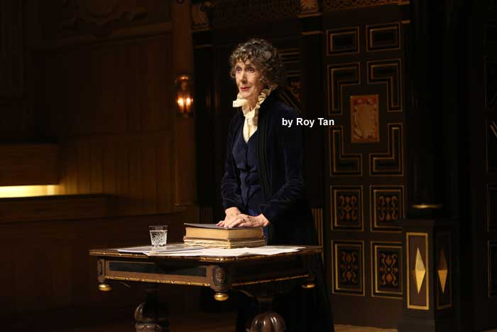 Ellen Terry with Eileen Atkins at the Sam Wanamaker Playhouse