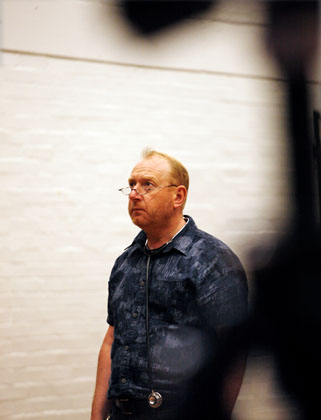 Adrian Scarborough in rehearsals for Exit the King, image by Simon Annand