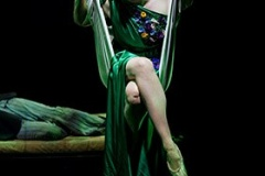 13.-Gwendoline-Christie-Titania-photo-by-Manuel-Harlan