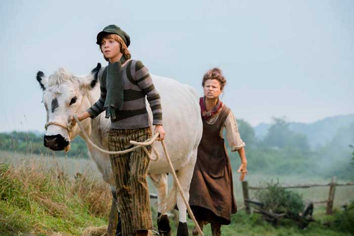Into the Woods Movie - Daniel Huttlestone as Jack and Tracey Ullman as his mother