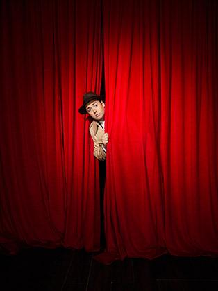 9.-CURTAINS.-Jason-Manford-'Frank-Cioffi'.-Photo-by-Seamus-Ryan