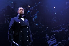 Michael-Ball-as-Javert-Photograph-Matt-Murphy