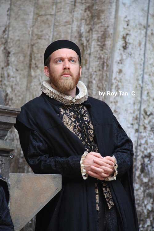 Macbeth at Shakespeare\'s Globe 2013 season
