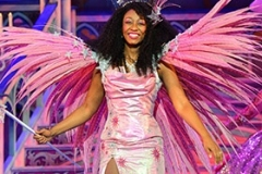 Beverley-Knight-as-The-Fairy-Godmother-Cinderella-at-Birmingham-Hippodrome-Credit-Paul-Coltas
