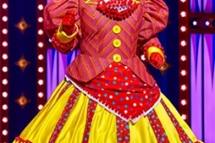 Gary-Wilmot-in-Goldilocks-and-The-Three-Bears-at-The-London-Palladium-Credit-Paul-Coltas