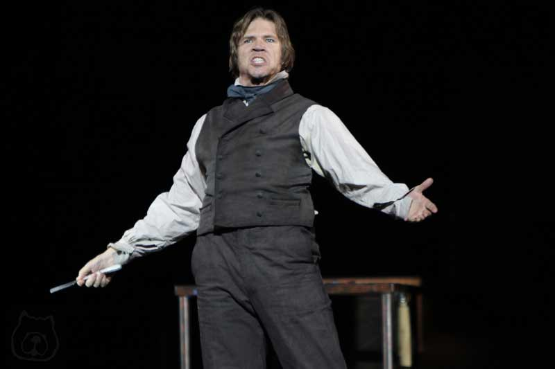 Rod Gilfry in Sweeney Todd at the Théâtre du Châtelet, Paris