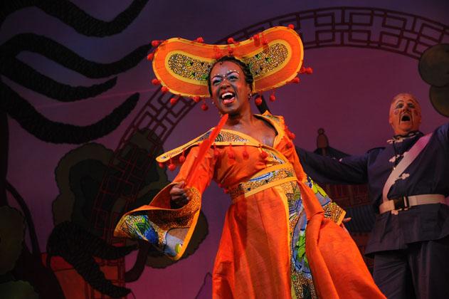 Tameka-Empson-in-Aladdin-at-Hackney-Empire-2009