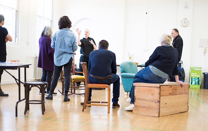 The-cast-of-THE-CROFT-and-director-Philip-Franks-in-rehearsals.-Credit-James-Findlay