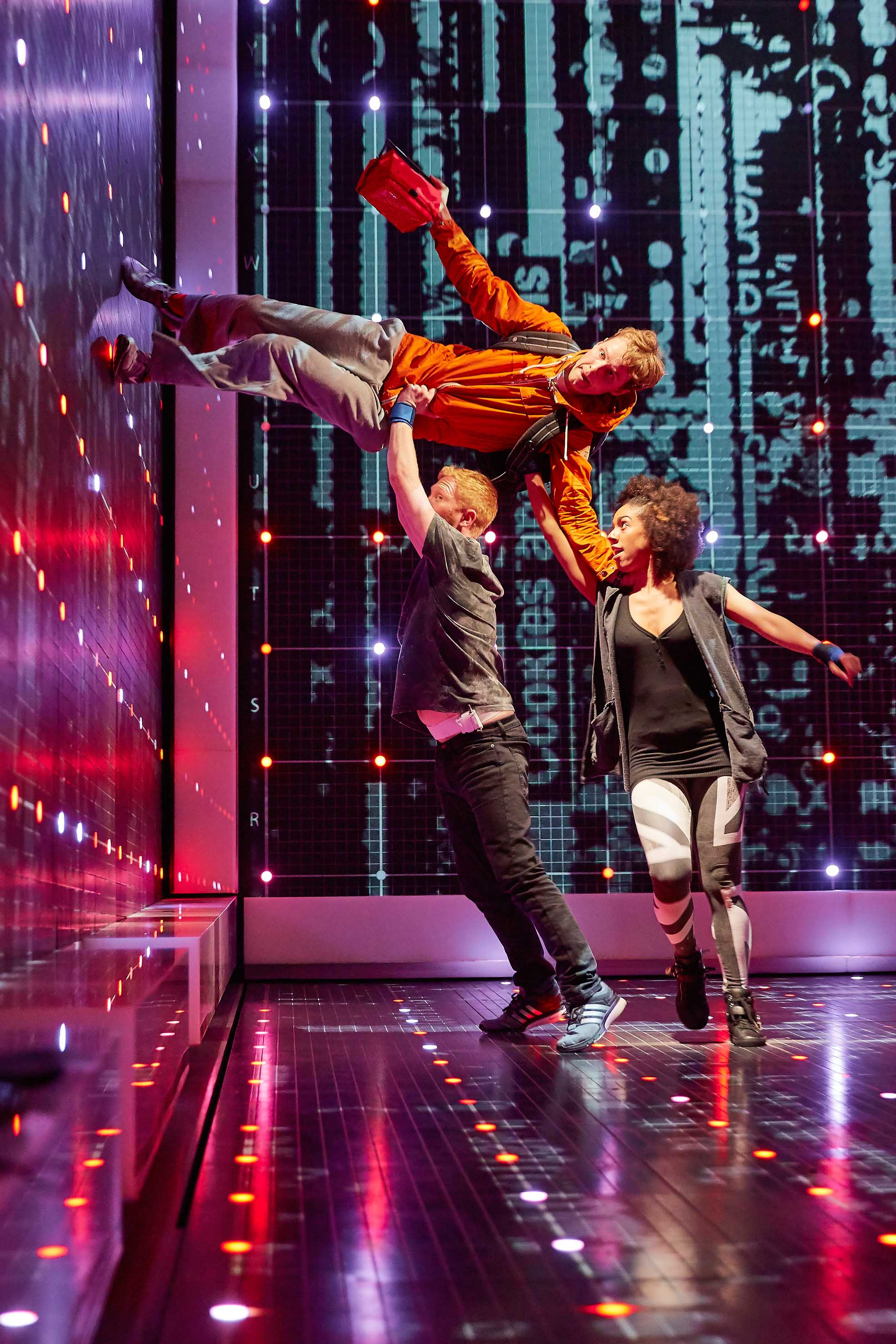 The Curious Incident of the Dog in the Night-time - Cast 2015