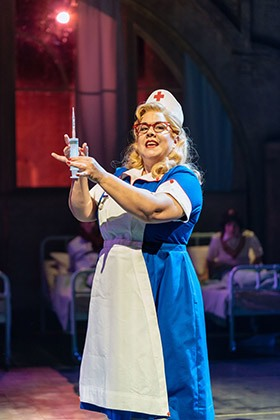Jennie-Dale-as-Matron-in-THE-MIDNIGHT-GANG-at-Chichester-Festival-Theatre-Photo-Manuel-Harlan-020-2018