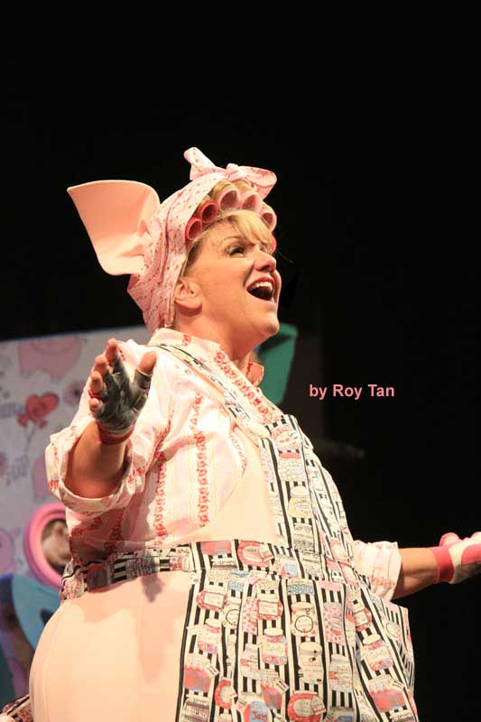 Three Little Pigs at the Palace theatre