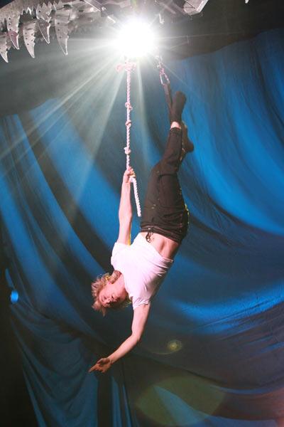 Hans Klok in The Houdini Experience