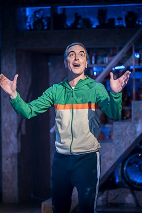 James-Nesbitt-as-Steve-in-THIS-IS-MY-FAMILY-at-Chichester-Festival-Theatre-Photo-Johan-Persson_07989