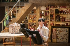 Scott-Folan-as-Matt-in-THIS-IS-MY-FAMILY-at-Chichester-Festival-Theatre-Photo-Johan-Persson_05956
