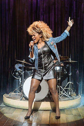 1.-Nkeki-Obi-Melekwe-as-Tina-Turner.-Photo-by-Manuel-Harlan