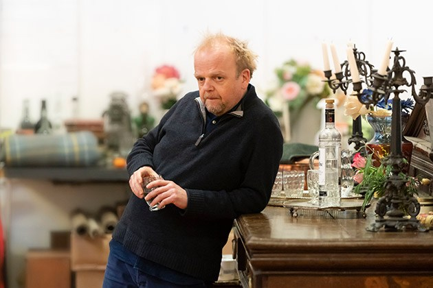 8.-Uncle-Vanya_-Toby-Jones-c-Johan-Persson