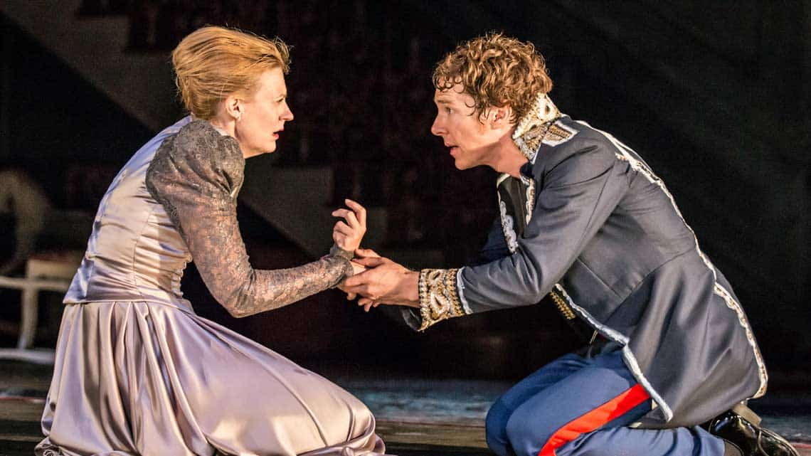 Anastasia Hille and Benedict Cumberbatch|Hamlet |Photo: Johan Persson | Hamlet starring Benedict Cumberbatch at the Barbican Theatre