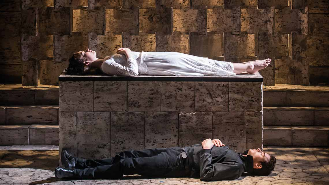 Photo Credit Johan Persson | Kenneth Branagh's Romeo and Juliet at the Garrick Theatre