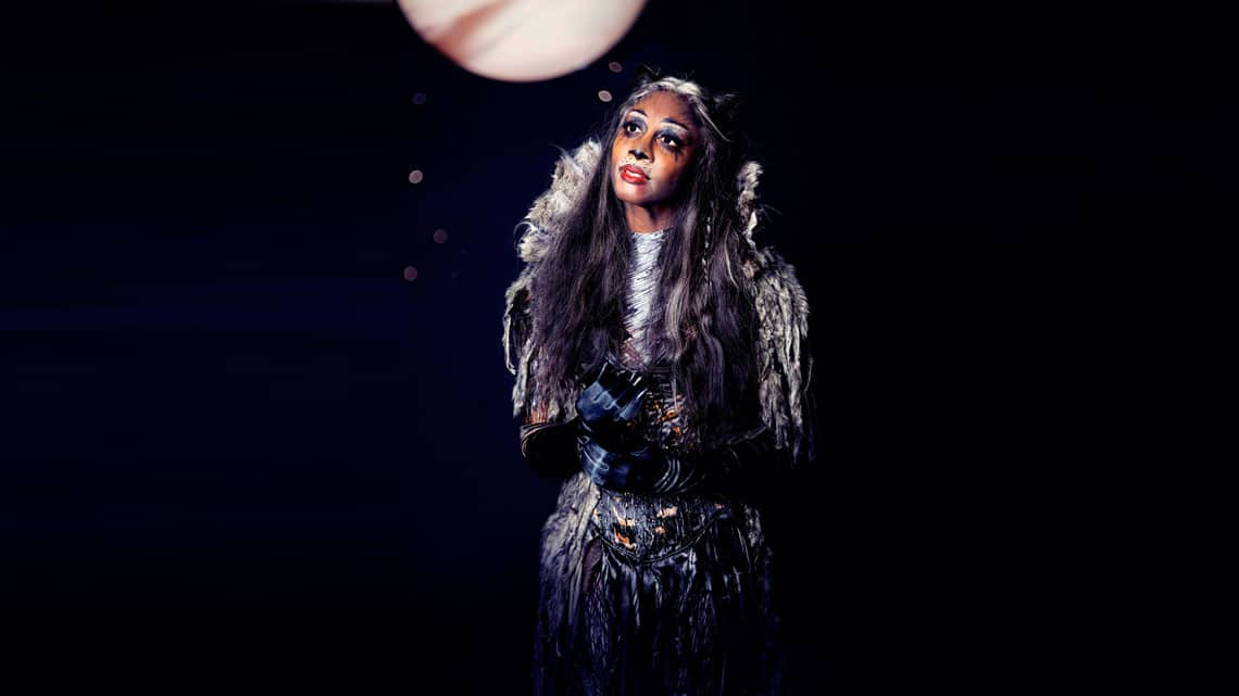 | BEVERLEY KNIGHT in CATS