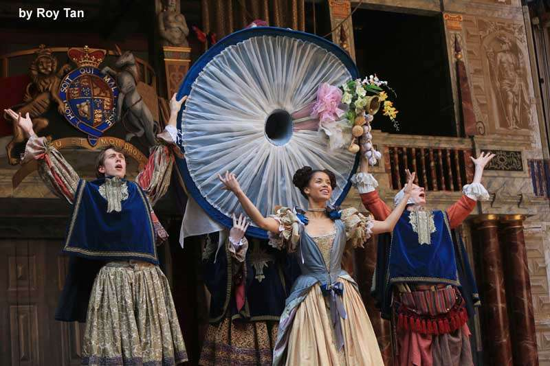 Photos: Nell Gwynn at Shakespeare's GlobeLondon theatre tickets