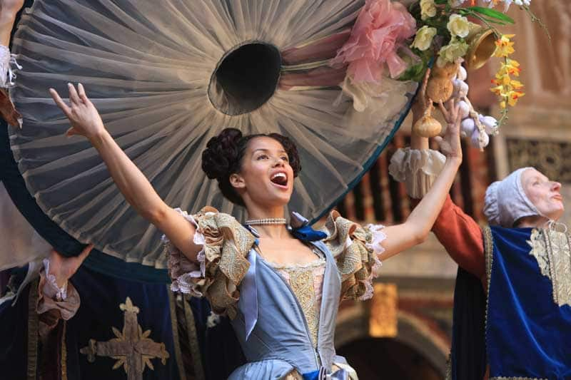 Photos: Nell Gwynn at Shakespeare's GlobeLondon theatre tickets