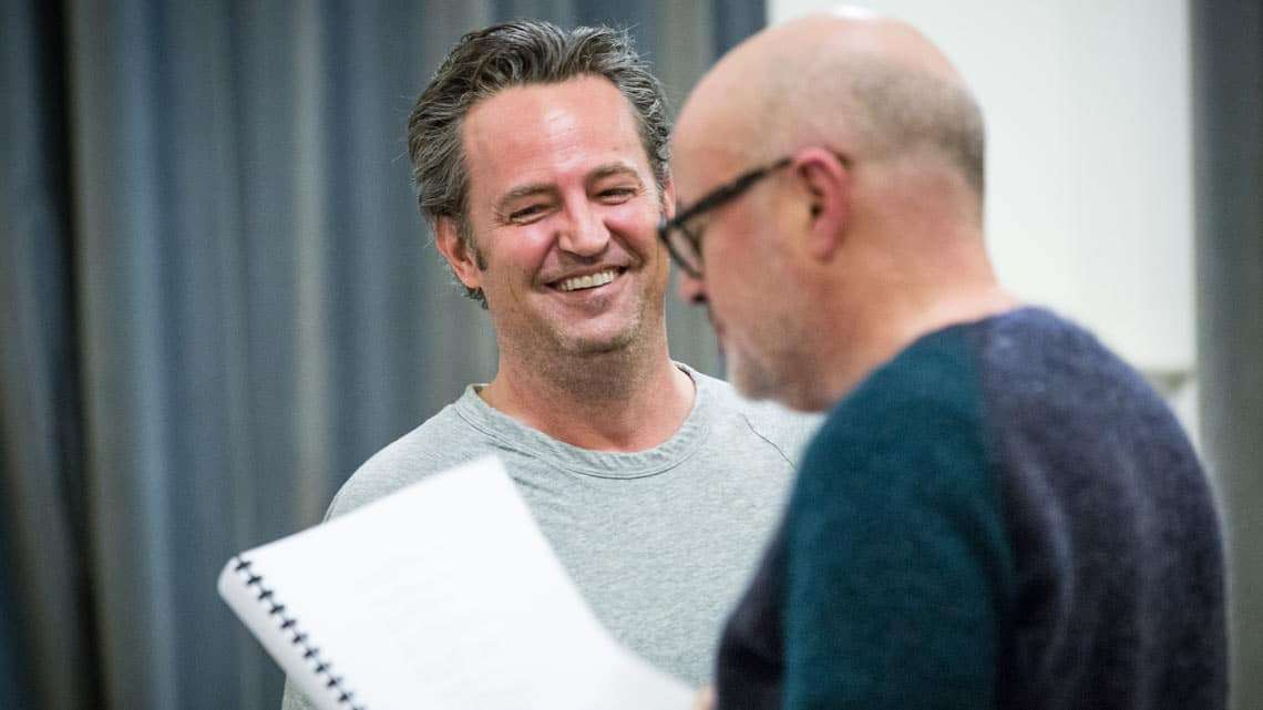 Matthew Perry and director Lindsay Posner in rehearsal for The End of Longing