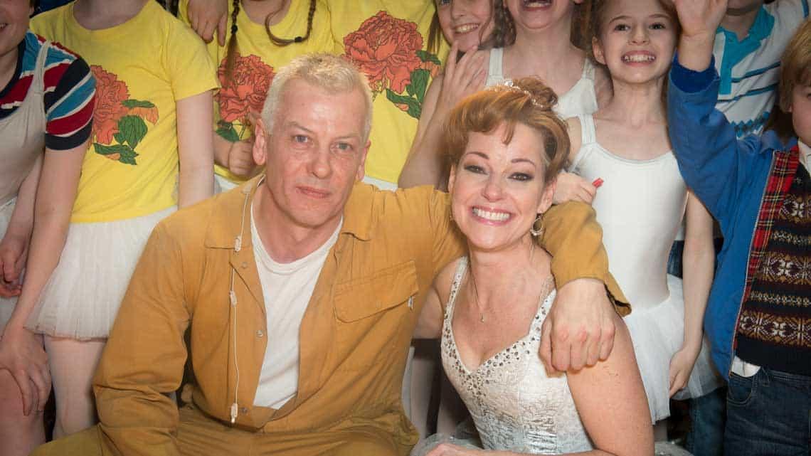 | Elton John attends final West End performance of Billy Elliot