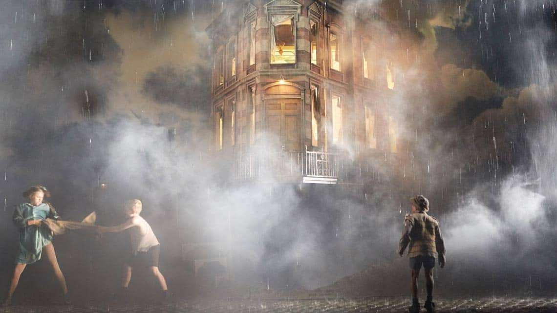 An Inspector Calls | Photo: Mark Douet | An Inspector Calls at the Playhouse Theatre