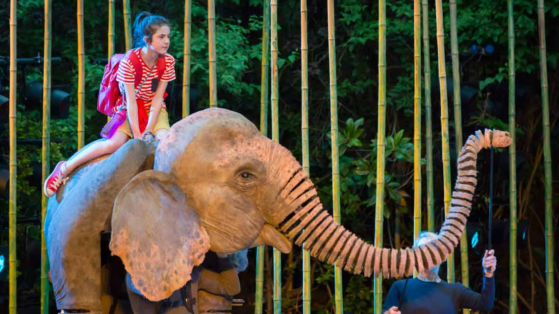 Ava Potter as Lilly and Oona. Photo Johan Persson | Running Wild at Regents Park Open Air Theatre
