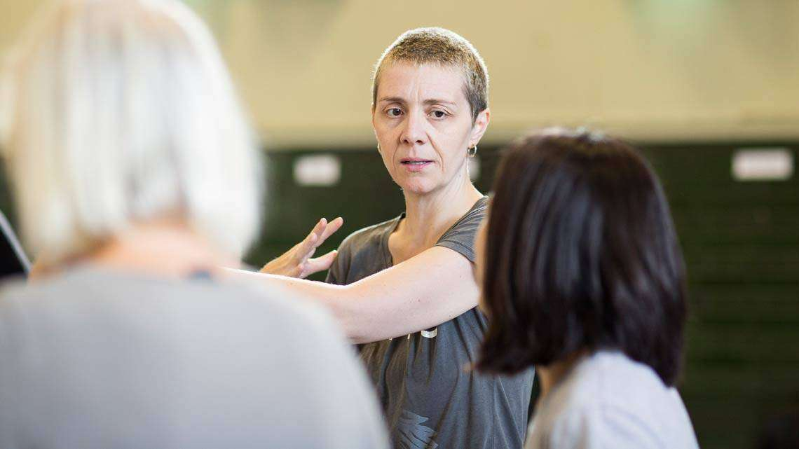 Karen Dunbar  (Casca, Vernon and Bardolph, Trinculoby) Helen Maybanks | In rehearsal: Donmar Shakespeare Trilogy