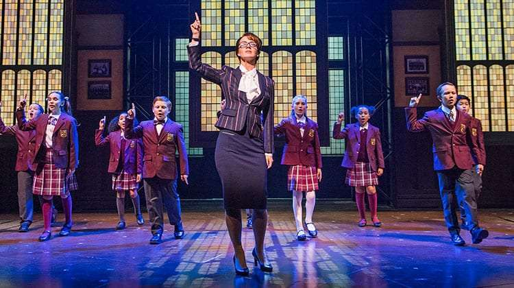 Florence Andrews & the kids from School of Rock | Photo: Tristram Kenton | School of Rock – The Musical at the New London Theatre