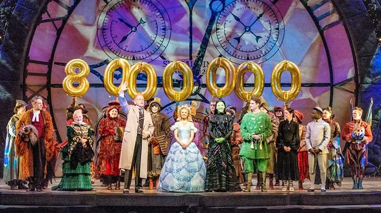 Wicked celebrates 8 millionth theatregoer | Wicked Welcome 8 millionth theatregoer