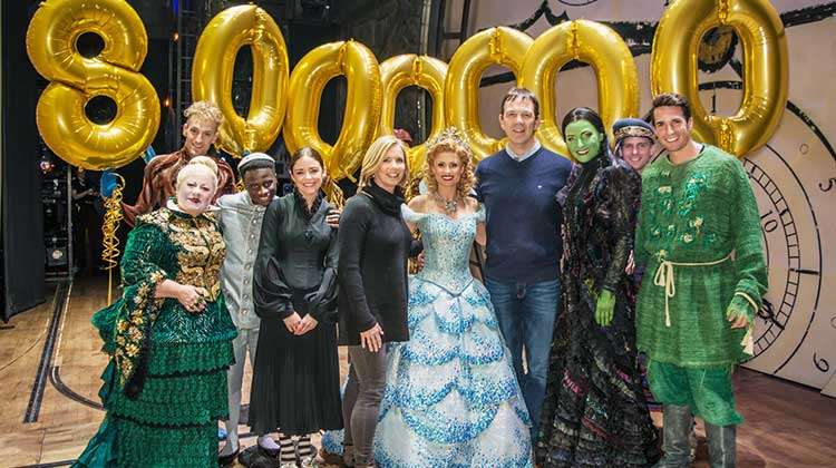 Louise and David McCarter  the 8 millionth people to see Wicked at the Apollo Victoria. | Wicked Welcome 8 millionth theatregoer