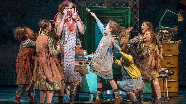 Miranda Hart in Annie (Piccadilly Theatre ). Photo Paul Coltas