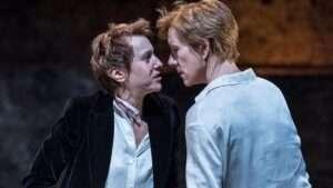 Lia Williams & Juliet Stevenson in Mary Stuart
