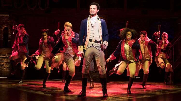 centre Jamael Westman (Alexander Hamilton) with West End cast of Hamilton - Photo Matthew Murphy | Hamilton announces new booking period and on-sale dates