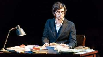 Ben Whishaw (Brutus) - Julius Caesar at the Bridge Theatre - Photo Manuel Harlan