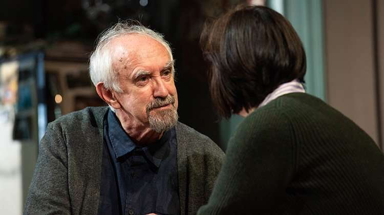 The Height of the Storm -  Jonathan Pryce & Amanda Drew - (c) Hugo Glendinning | The Height of the Storm at the Wyndham's Theatre