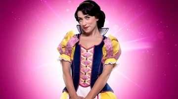 Danielle Hope as Snow White.