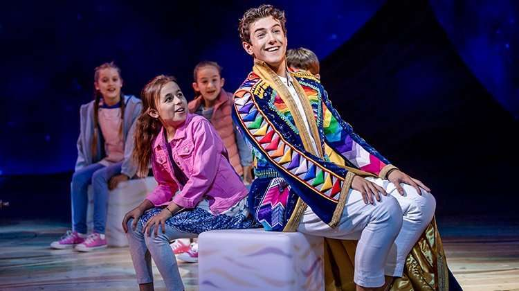 | Joseph and the Amazing Technicolor Dreamcoat