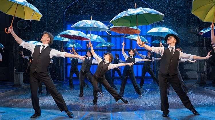 Singin' In The Rain dancing